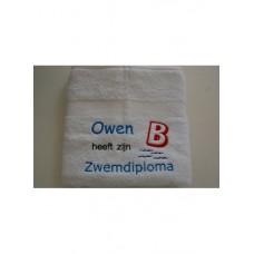 Zwemdiploma handdoek geborduurd met naam